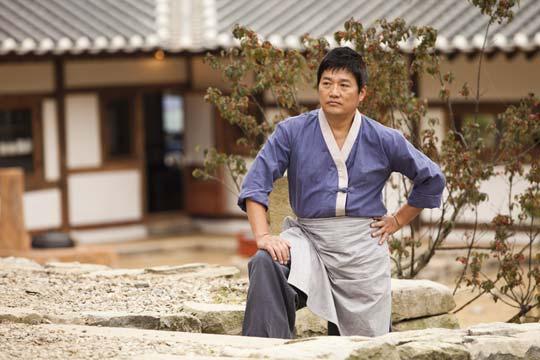 عکس های چوی جائه سانگ در نقش عموی خانواده کیمچی