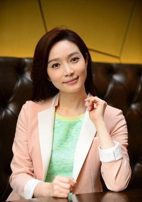 عکس های لی مین یانگ بازیگر سریال خانواده کیمچی
