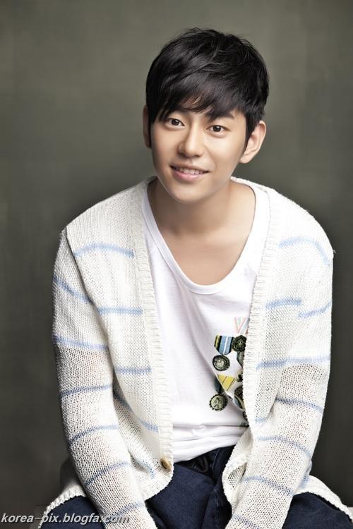 عکس های ahn yong joon بازیگر نقش یوری در افسانه جومونگ