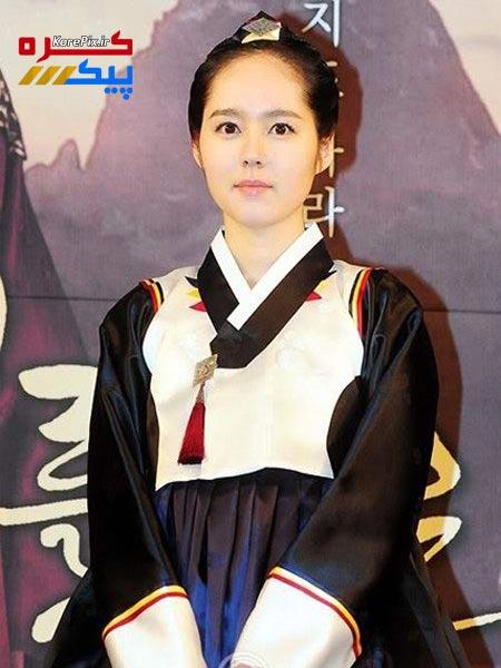 عکس های جدید هان گا این در نقش بانو یئون وو خورشید و ماه